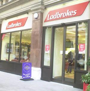 Ladbrokes: Sigue los pasos de WH a Gibraltar