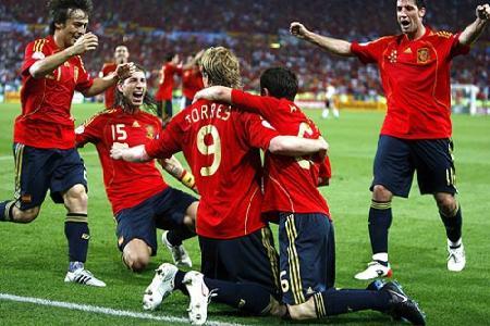 Copa de las Confederaciones: España y Brasil a paso firme